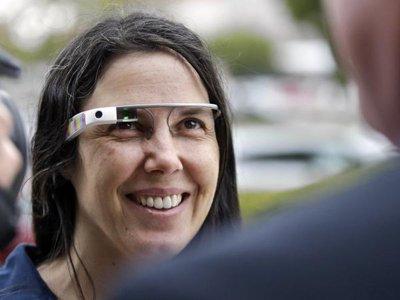Американский суд отменил штраф, выписанный женщине за вождение в Google Glass
