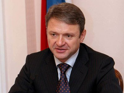 Экс-губернатор Краснодарского края Александр Ткачев обещал самостоятельно инициировать рассмотрение вопроса о наличии или отсутствии в его работе конфликта интересов