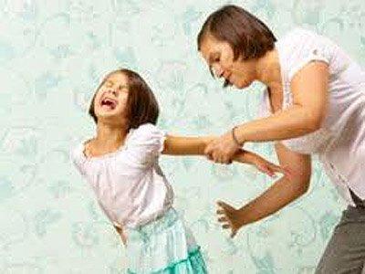 Суд Калифорнии разрешил матери шлепать дочь-подростка