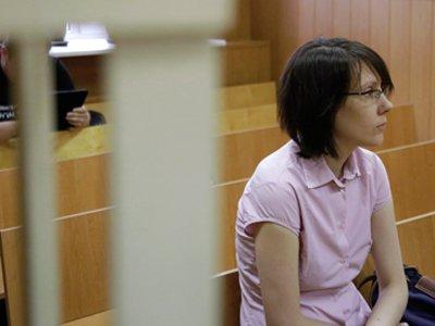 """Сотрудница Сбербанка, помогавшая вымогать """"откат"""" в 100 млн руб., снова избежала реального срока"""