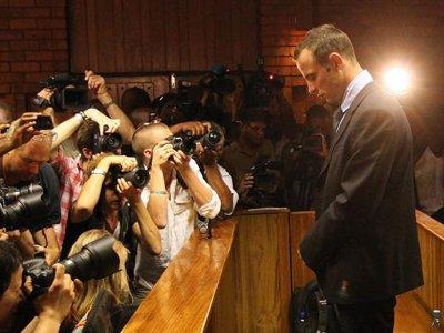Суд отправил Оскара Писториуса на обследование к психиатру