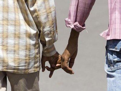 """Два гея из Сенегала приговорены к 6 месяцам тюрьмы за """"неестественные отношения"""""""
