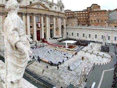 ООН призывает Ватикан выдать уличенных в педофилии священников полиции