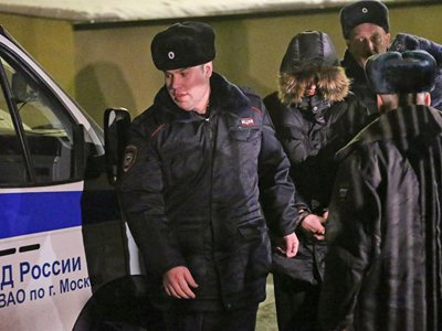 """Семья убитого """"школьным стрелком"""" учителя отсудила 2,5 млн рублей"""