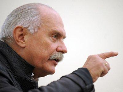 """Апелляция отказала Михалкову в иске к РБК за статью о """"налоге на болванки"""""""