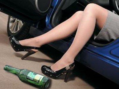 """Лишенная прав автоледи, совершившая на Тоуоta Land Cruiser Prado """"пьяное"""" ДТП с двумя жертвами, легко отделалась"""