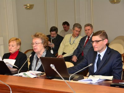 Федеральная нотариальная палата созывает в Москву всех претендентов на пост ее президента