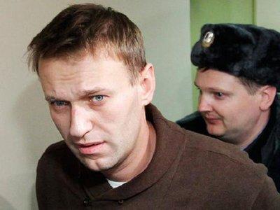 У Навального проведен ночной обыск по делу о хищении 100 млн руб. у Бориса Немцова