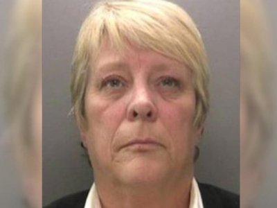 Британская тюремщица получила срок за секс с заключенным и поставку шоколадных яиц с коноплей
