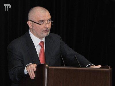 Сенатор Андрей Клишас давал судье советы о том, как отвечать на вопросы его коллег