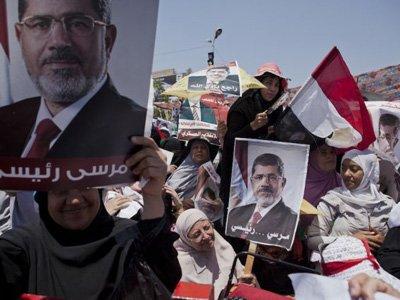 """В Египте 529 активистов """"Братьев-мусульман"""" приговорены к смертной казни"""