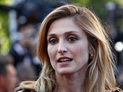 Любовница президента Франции отсудила 15 000 евро у журналистов, доказавших их связь
