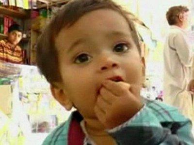 Пакистанский суд снял с грудного ребенка обвинения в покушении на убийство