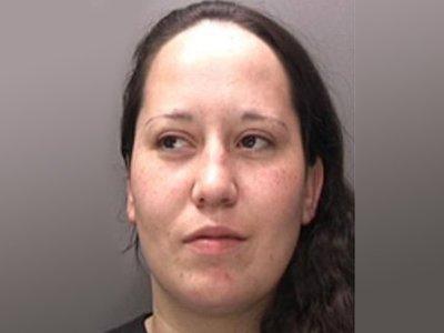 Британка сядет в тюрьму за бросок стаканом в лицо своей соседке