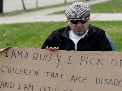 """Судья заставил жителя штата Огайо носить табличку """"Я – хулиган!"""""""