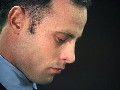 Психиатры признали Оскара Писториуса здоровым, он останется обвиняемым в убийстве