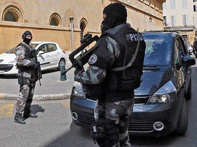 """В Ницце арестован главарь итальянской """"Каморры"""", попавшийся из-за любви к футболу"""