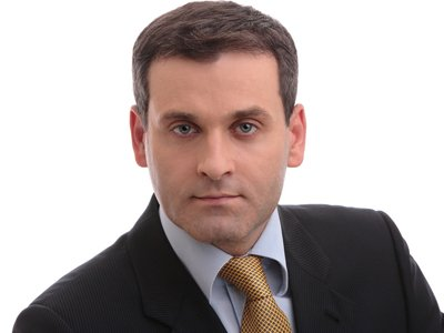 Член Совета Федерации 44-летний кандидат юрнаук Константин Цыбко обвиняется в получении почти 30-миллионных