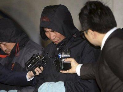 """Обвинение требует казнить капитана затонувшего корейского парома """"Севол"""""""