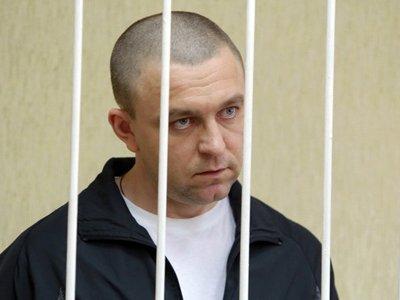 """Инспектор ГИБДД, пытавшийся свалить вину за """"смертельное"""" ДТП на свою жену, получил 4,5 года поселения"""