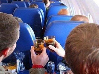 Госдума разрешает авиакомпаниям не продавать билеты дебоширам