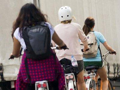 Водитель, зацепивший ехавшего по обочине велосипедиста, выплатит 400000 руб.