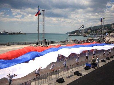 Иностранцы смогут отдыхать в Крыму, получая визу на границе, – подписаны законы о СЭЗ на полуострове