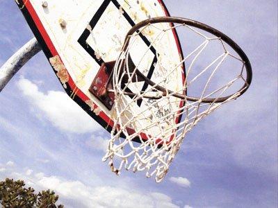 Физрук сбежал из тюрьмы при помощи баскетбольного кольца