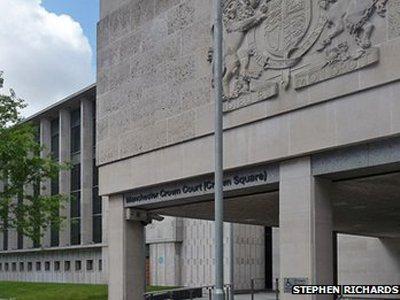 В Великобритании судья уснул на процессе по делу об изнасиловании ребенка
