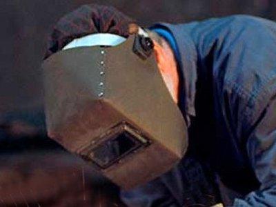 Осужден похититель кредитки, снявший с нее, надев сварочную маску, 198000 руб.