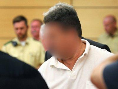 """В Германии судят """"снайпера с автобана"""", в течение пяти лет стрелявшего по машинам"""