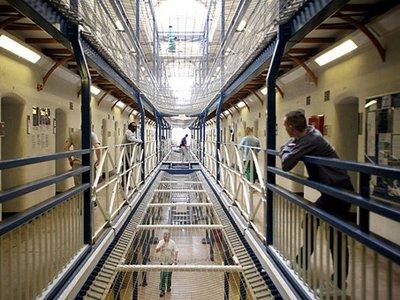 Власти Великобритании по ошибке освободили 200 заключенных