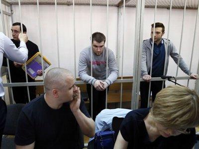 """Мосгорсуд оставил реальные сроки трем осужденным по """"болотному делу"""""""
