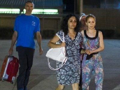 Британскую пару, похитившую сына из больницы, выпустили из испанской тюрьмы