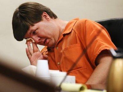 Американцу, оставившему сына на жаре в машине, предъявлены обвинения в предумышленном убийстве