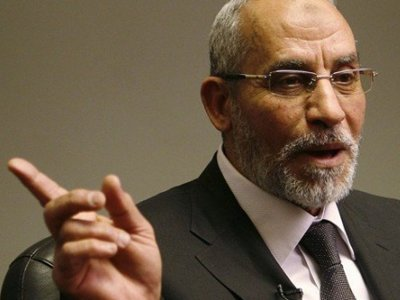 """Духовный лидер """"Братьев-мусульман"""" получил шестой пожизненный срок"""