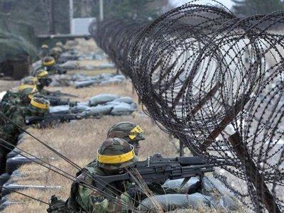 Власти Южной Кореи задержали американца, плывшего к Ким Чен Ыну