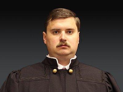 Семейный подряд судьи и адвоката