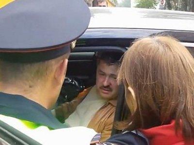 Валерий Будаев на месте ДТП, скриншот из видео очевидцев