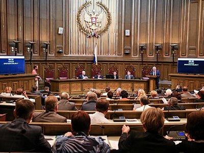 Судья из Крыма зря перевозила родню в Россию