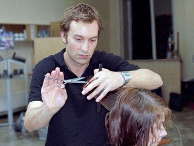 Клиентка салона красоты отсудила 141000 руб. за косметику, проданную ей без инструкции