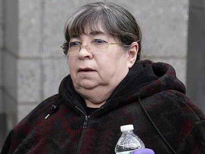 Американский суд приговорил двух помощников Мэдоффа к тюрьме и крупным штрафам