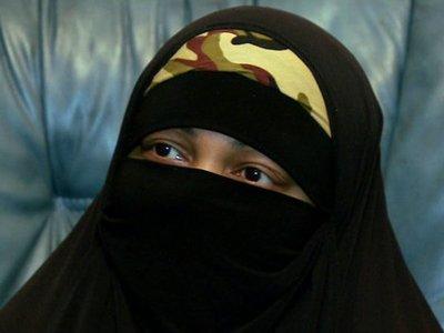 Британский суд приговорил мусульманку к тюрьме за пропаганду терроризма в интернета