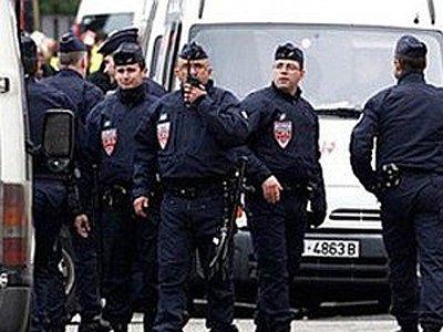 Задержанных во Франции российских журналистов отпустили