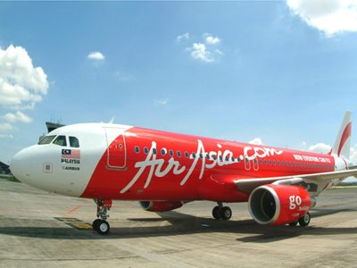 Жительница Австралии подала в суд на AirAsia за сломанную стюардессой ногу