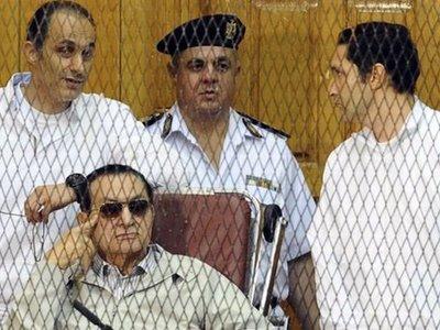 Сыновей экс-президента Египта Хосни Мубарака освободили из тюрьмы