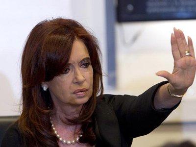 Президента Аргентины обвинили в препятствовании расследованию смерти прокурора