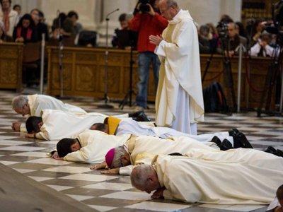 Испанский суд снял с девяти священников обвинения в педофилии