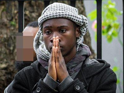 Британского подростка, планировавшего обезглавить солдата, признали виновным