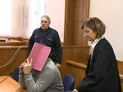 Немецкий суд приговорил к пожизненному заключению медбрата, тренировавшегося на пациентах